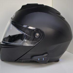 Helm met ingebouwde communicatie